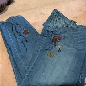 Embroidered straight jean